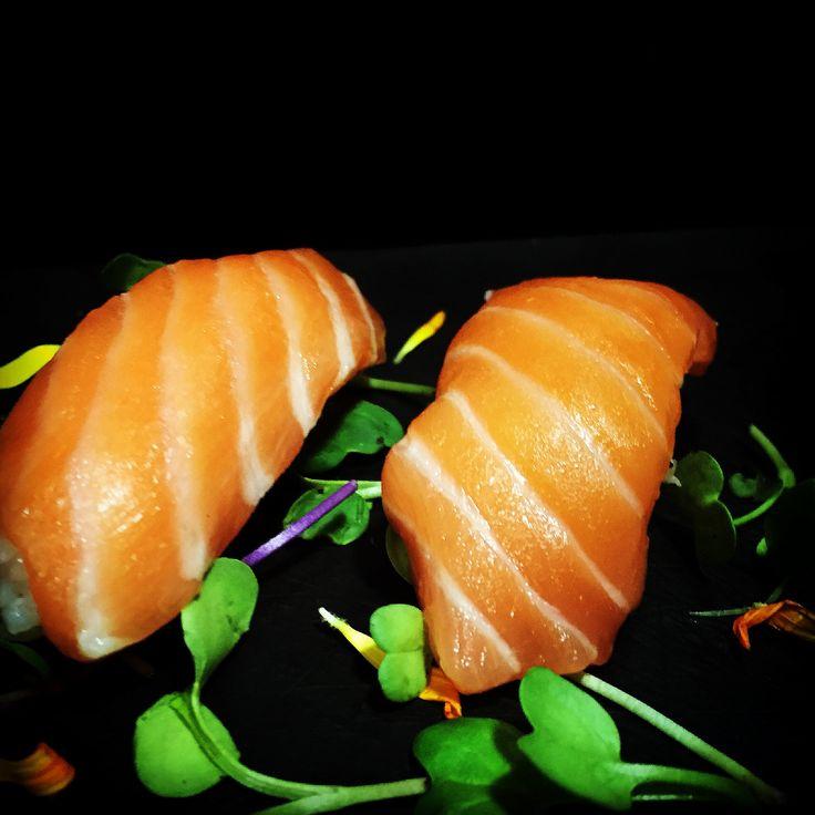 https://flic.kr/p/G4eYgi | Nigiri de salmón | Nigiri de salmón. koketo.es/portfolio/nigiri-de-salmon
