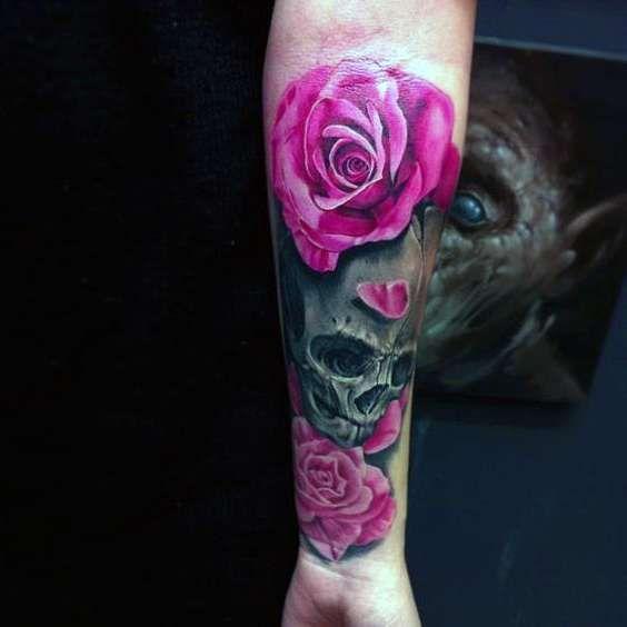 tatuaże czaszki i róże