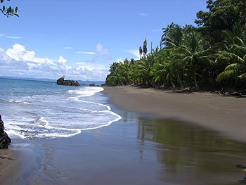 El clima en colombia es tropical y tiene mucho sol.
