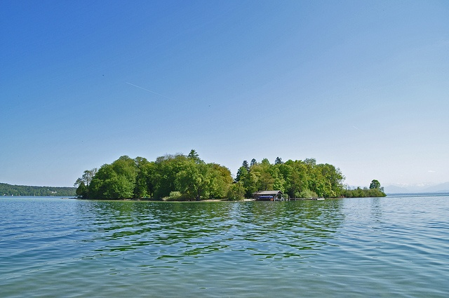 Roseninsel im Starnberger See / Rose Island in Lake Starnberg
