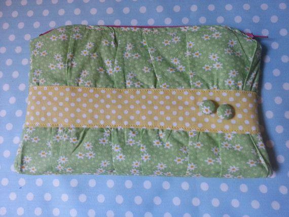 Zippered pouch di Botteghilla su Etsy, €12.50