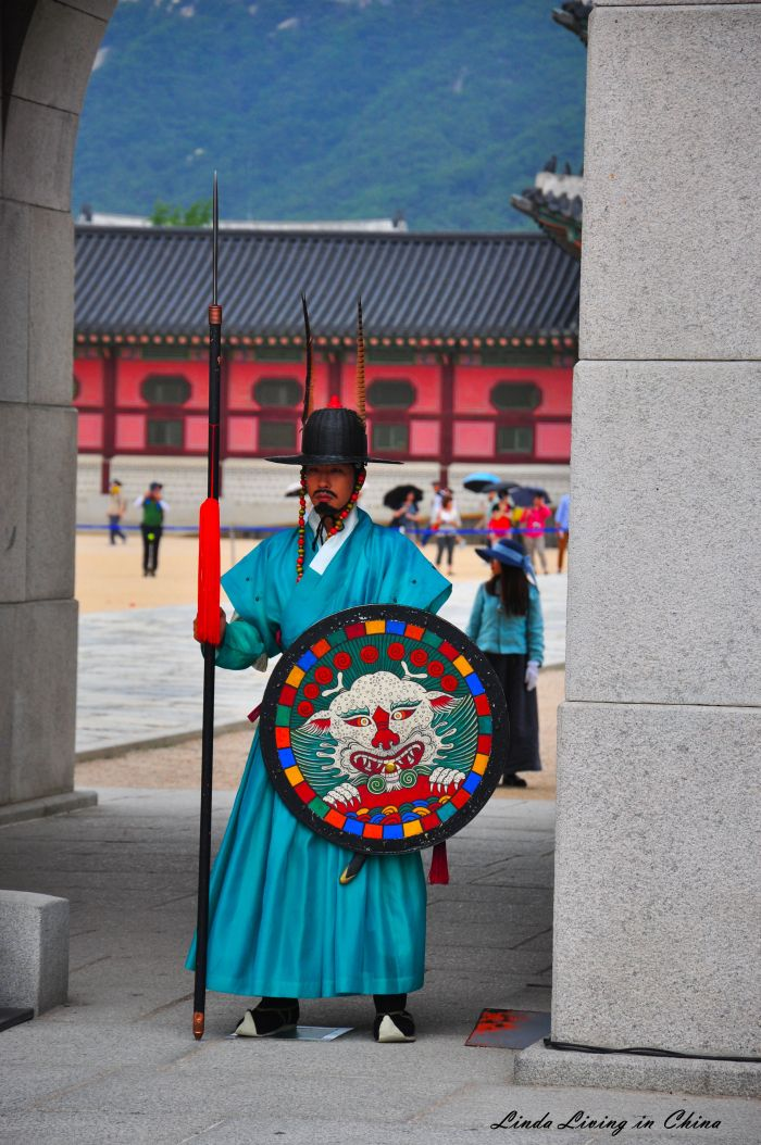 My Korea Adventure: Seoul 서울시 – Palace, Hanbok and Shopping Part 2 | Linda Living in China
