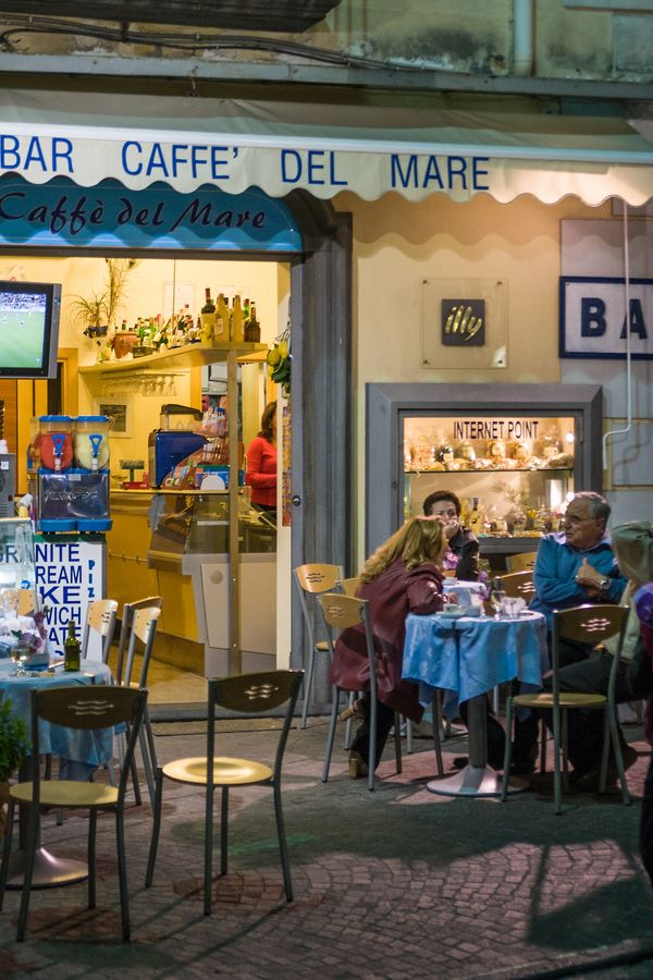 Sorrento cafe at night by Steve Pepple, via 500px