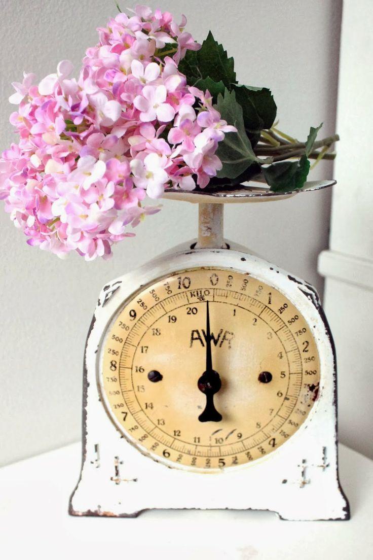 White Vintage Kitchen Scales