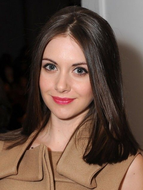 2014 Alison Brie Medium Hairstyles: Blunt Straight Haircutlison Brie styles her lustrous shoulder-length hair into same length and the exquisite smooth look appears feminine, elegant and stunning. The blunt line touches her shoulders. The refined medium length hairstyle is the perfect for women who seek for unpretentious sophistication. - See more at: http://www.prettydesigns.com/80-medium-hairstyles/#sthash.cMJCG7gz.dpuf