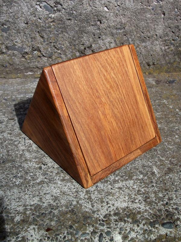 Group Energy Piece. 3.6 ct Diamond, 32 ct Amethyst heart, 5mm Garnet, Citrine, Peridot and 18K White Gold set in Aventurine with a Ebony base. Triangular Rimu box. pic5