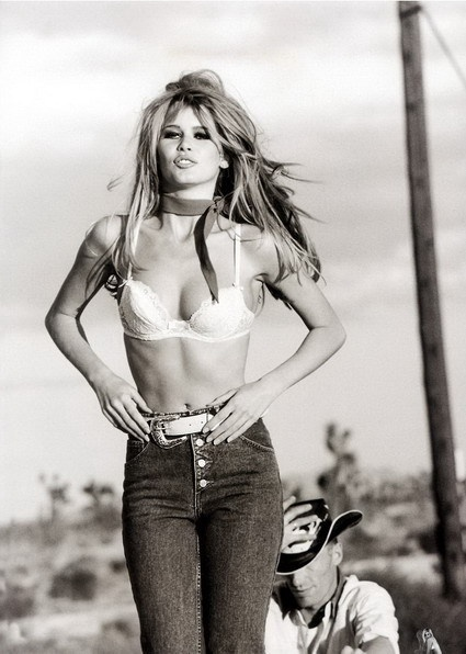 One of Claudia Schiffer's most ICONIC campaign print ads for Guess.