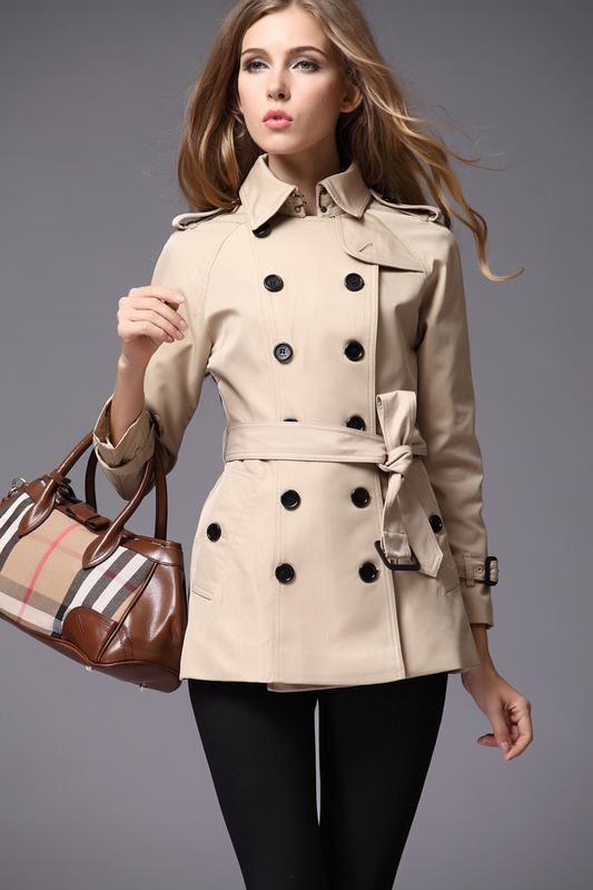 Двубортный женский тренч куртка укороченный плащ бежевый с ремешком в стиле  burberry Burberry за 299 грн.  804d933af0ab8