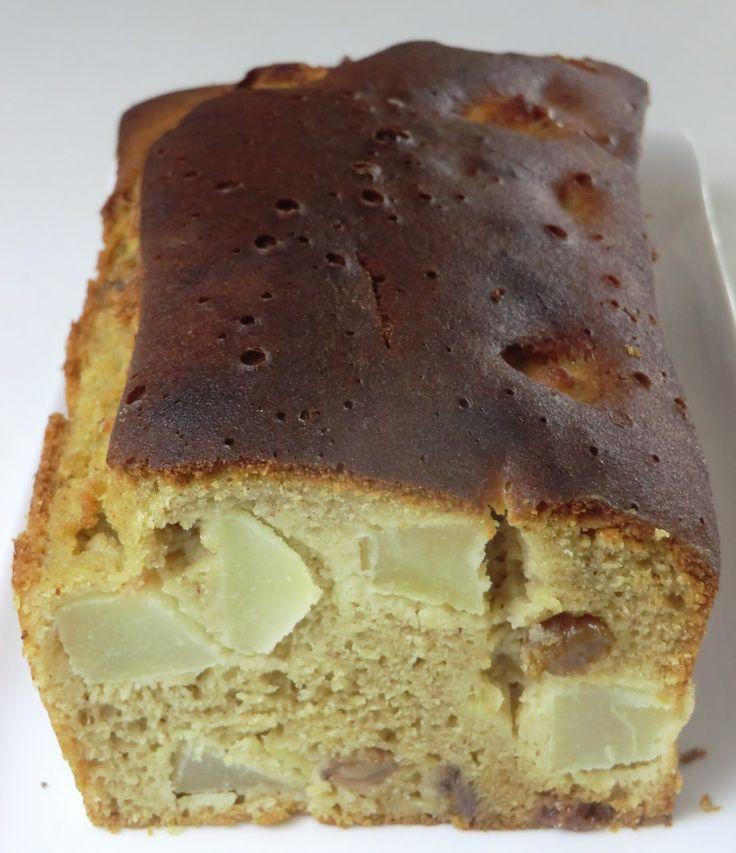 Cake moelleux aux poires, pommes, raisins secs et cannelle sans gluten et sans lactose