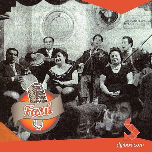 Fasl-ı Muhabbet vakti geldiyse soframıza, durdurmak ne mümkün azizim, çal bizim şarkımızı... (Bugünün yalnızlarına gelsin)  http://dijibox.com/Radyo/Fas%C4%B1l  #dijibox #music #eğlenceli #mood #popmusic #musicnews #muzikhaberleri #fasıl #14Şubat