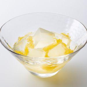瑞々しい寒天に、果汁たっぷりの夏みかんを合わせる涼菓。【父の日届け専用】たねや寒天夏みかん6個入