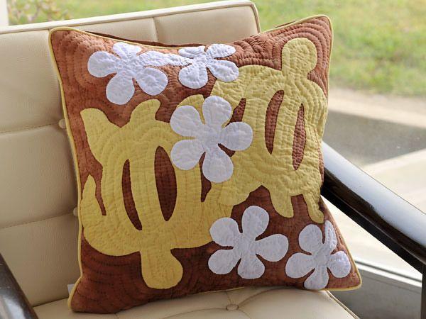 106 best Tecnica havaiana images on Pinterest   Crafts, Flower and ... : hawaiian quilt pillow covers - Adamdwight.com