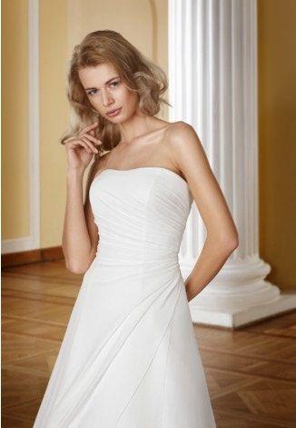 https://flic.kr/p/C5Mvfx   Trouwjurken   Trouwjurken vintage, Moderne Trouwjurken, Korte trouwjurken, Avondjurken, Wedding Dress, Wedding Dresses   www.popo-shoes.nl