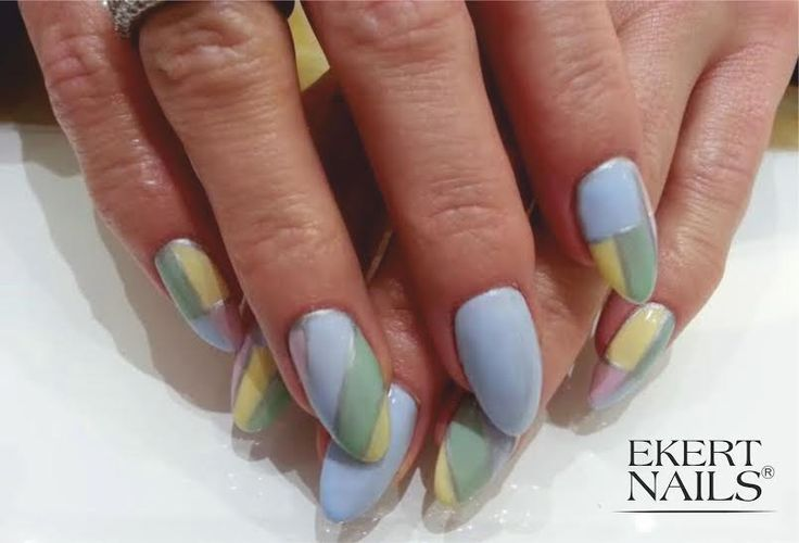 Shellac cake pop, creekside, mint convertible, sun bleached, vinylux silver chrome #ekert #nails