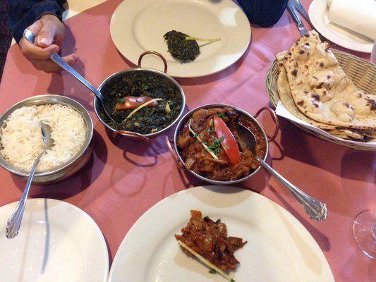 Enjoy the Delicious taste of Baingan Patiala and saag paneer at #theindiankitchen www.theindiankitchen.ca
