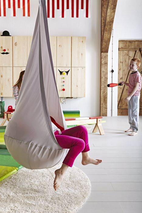 Swinging helps to develop a sense of balance and body perception. The EKORRE hanging seat swings and also provides a sheltered spot for kids to read, listen to music or just relax.