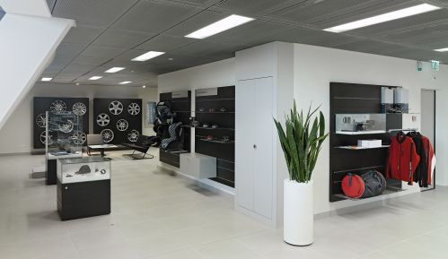 audi dealership 4