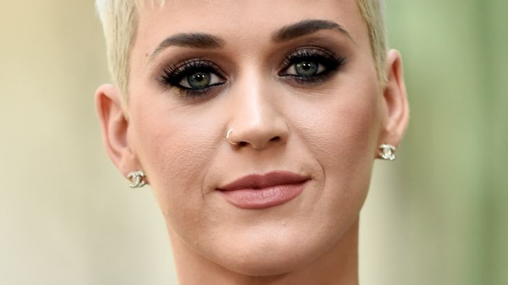 Katy Perry announced as host of 2017 MTV Video Music Awards - https://www.gothiclife.win/katy-perry-announced-as-host-of-2017-mtv-video-music-awards/