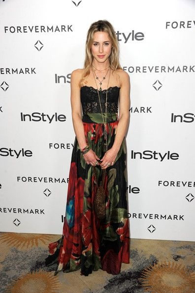 Gillian Zinser Fashion and Style - Gillian Zinser Dress, Clothes, Hairstyle