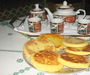 Harcha Ist Ein Brot Mit Grieß Gebacken, Sorgt Für Abweschlung Beim  Frühstück.Harcha Schmeckt Am Besten Zu Einem Marokkanischen Minzetee, Aber  Auch Zu Einem ...
