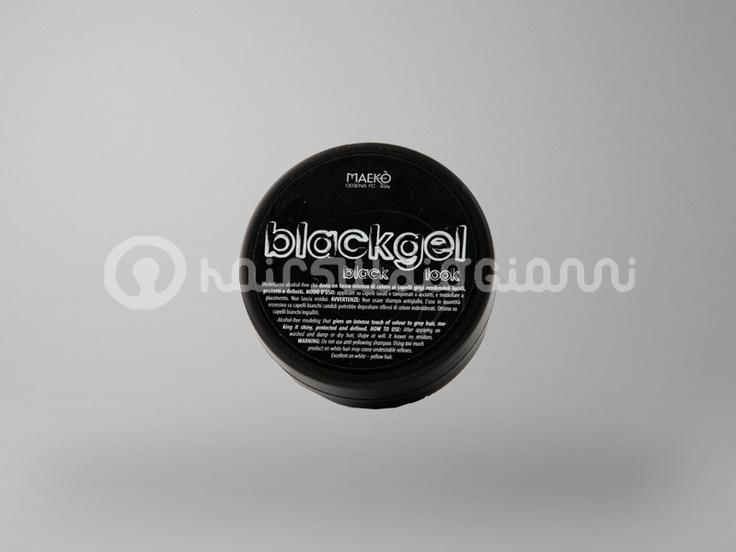 BlackGel 300 ml  Blackgel è un modellante alchol-free che dona un tocco intenso di colore ai capelli grigi rendendoli lucidi, protetti e definiti.  Per saperne di più clicca sul seguente link:  http://www.hairstudiogianni.com/Blackgel/BlackGel-300-ml-vaso.html