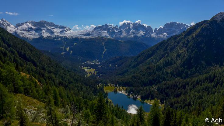 Brenta Occidentale con Campiglio e Lago Nambino. La salita al lago è facilissima e corta, circa un'ora, il paesaggio assolutamente spettacolare ● http://girovagandoinmontagna.com/gim/adamello-presanella/(gruppo-presanella)-giro-dei-5-laghi-alla-conca-dei-serodoli/