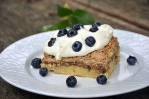 Frugttærte med marengs og blåbær