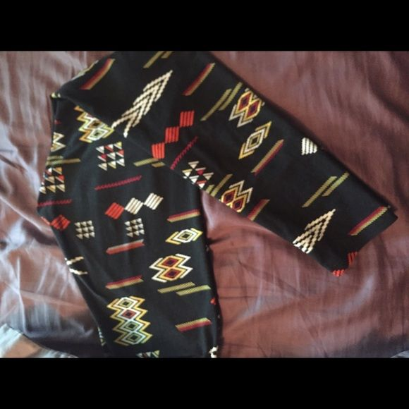 LuLaRoe Aztec print leggings Aztec print. Worn once. Washed per Llr instructions. OS. Smoke free pet friendly home. LuLaRoe Pants Leggings