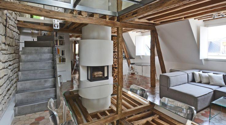 Μοναδικό διαμέρισμα στο Παρίσι Ένα διαμέρισμα, 12 δωμάτια, 2 επίπεδα και μια ιστορία 200 χρόνων. Ένας χώρος που παντρέυει μοντέρνα με παραδοσιακά υλικά κάτω από τον Παρισινό ουρανό...