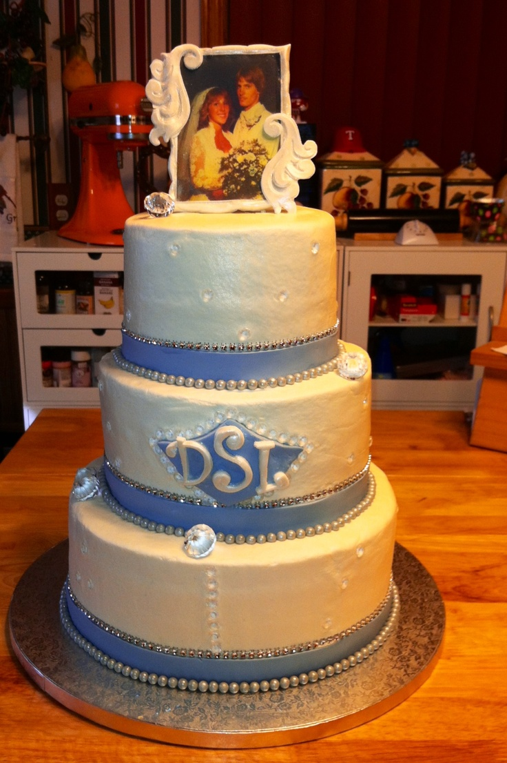 Cake Decorations For 30th Wedding Anniversary : 17 Best images about Mom and dads 30th on Pinterest ...
