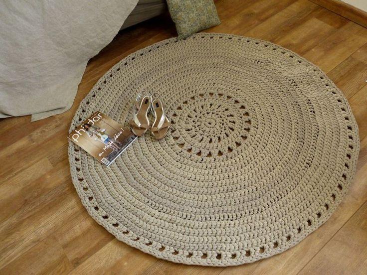 Crochet rug, T-shirt yarn