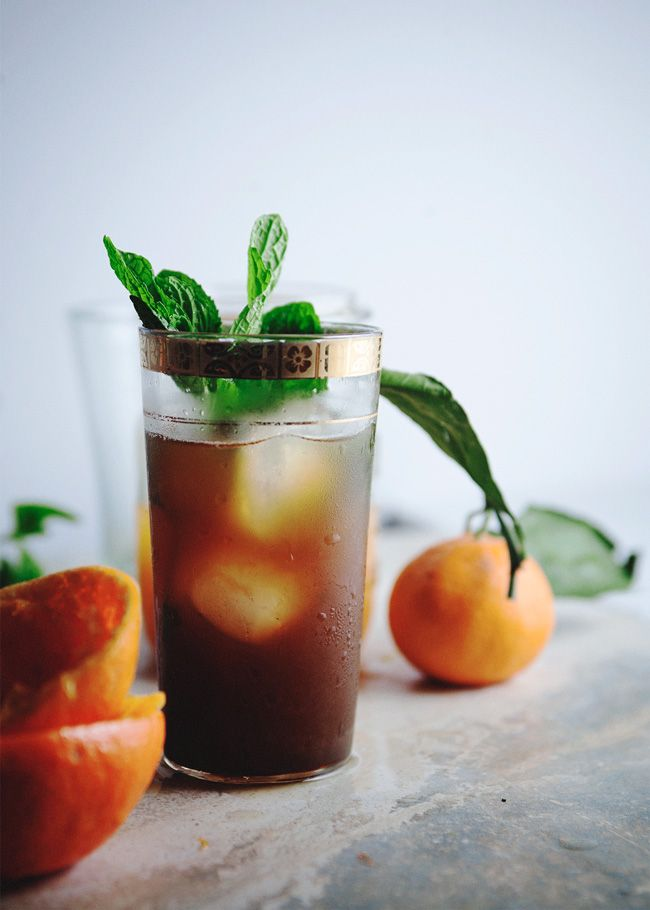 Citrus pomegranate mint tea  Ingredients: 5 fresh mint leaves A pinch or two of sugar 1/2 cup or so fresh citrus juice (I like a mixture of about half tangerine juice and half cara cara) 1 Tbsp pomegranate molasses Ice 1/2 cup or more green tea, chilled