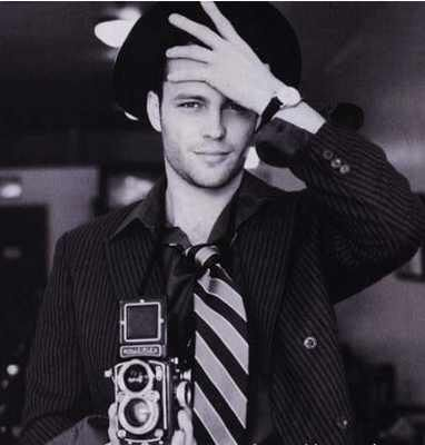 Young Vince Vaughn. Baby, you're so money.