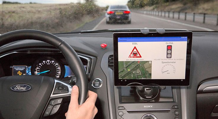 Adiós semáforo rojo, Ford ya realiza pruebas - http://autoproyecto.com/2016/10/adios-semaforo-rojo-ford-ya-realiza-pruebas.html?utm_source=PN&utm_medium=Pinterest+AP&utm_campaign=SNAP