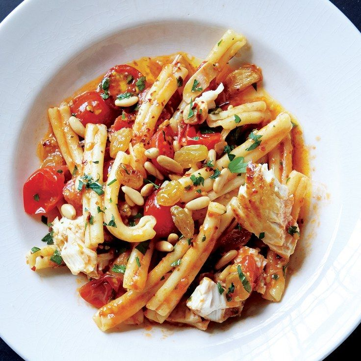 Pasta With Swordfish and Cherry Tomato Sauce
