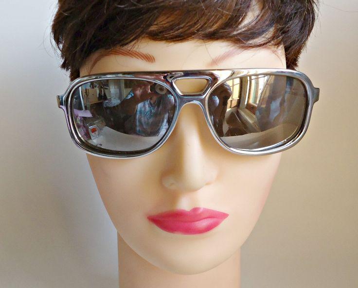 Vintage Pair of Cool Ray Polaroid Sunglasses 1970's  Eyeglasses Eyewear MOD by treasurecoveally on Etsy