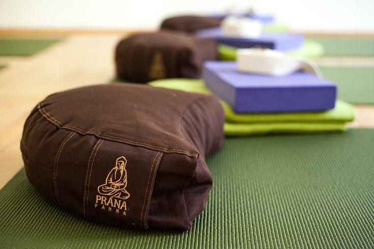 Élj harmóniában Jógastúdió jóga | meditáció | masszázs | életmód www.eljharmoniaban.hu Budapest VI. kerület Benczúr u. 12. Kezdő jóga tanfolyam, haladó jógatanfolyam, meditációs tanfolyam  #kezdőjóga #hathajóga #jógatanfolyam #jóga #jógabudapest #meditáció #meditációstanfolyam  #jógastúdió #yogabudapest #yogabudapest  #eljharmoniaban