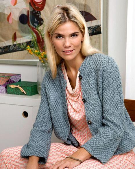 http://www.hendesverden.dk/handarbejde/strik/Strik-selv-Kort-jakke-med-kinaflip/