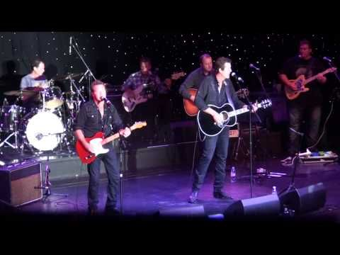 Adam Harvey & Troy Cassar Daley - Coward Of The County - YouTube