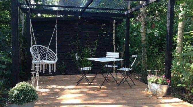 overdækket bålplads, terrasse, diy, brunimprægneret træ,