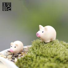Madre hijo de la familia del cerdo Mini jardín de hadas miniaturas DIY Doll House / terrario / Home / suculentas / Micro musgo paisaje decoración(China (Mainland))