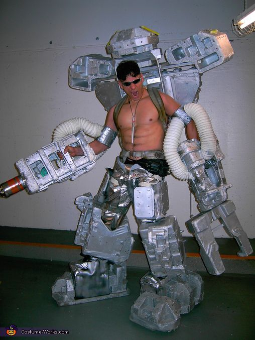 DIY Giant Robot costume & Best 86 Halloween ideas images on Pinterest | Carnival Space ...