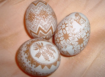 brown etched eggs look so simply beautiful