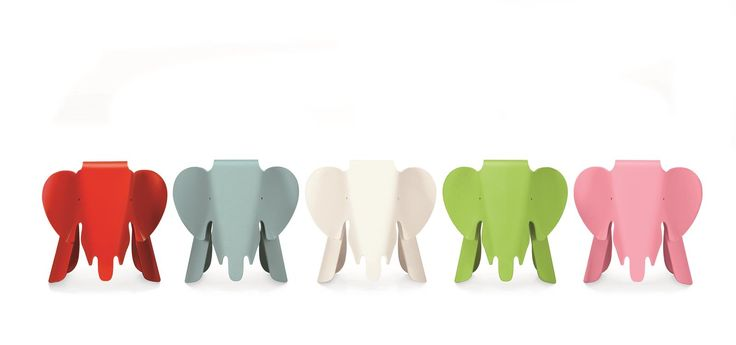 Vitras Interpretation vom geliebten Dickhäuter ist ein Nachbau des Plywood Elephants von Charles und Ray Eames aus dem Jahre 1945. 2007 gab es, anlässlich zum 100. Geburtstag von Charles Eames, diesen Elefanten in einer limitierten Auflage, die sofort ausverkauft war.  Vitra Hocker Eames Elephant Schwarz