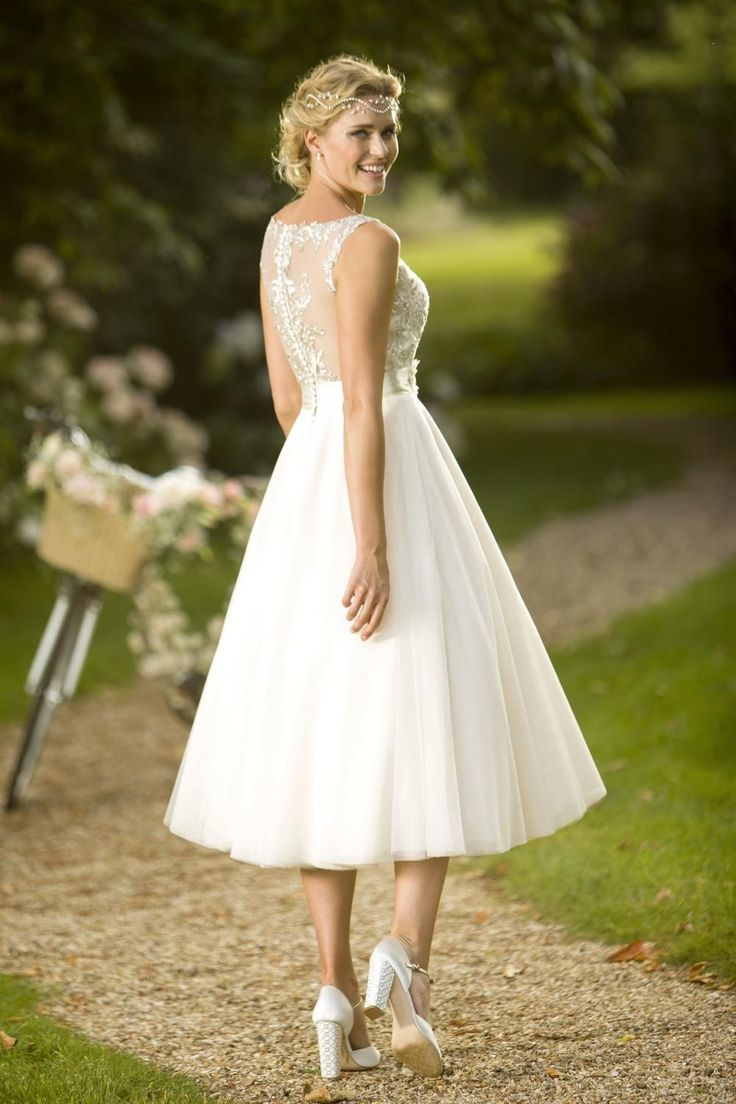 Informal Wedding Dresses For Older Brides: 1000+ Ideas About Older Bride On Pinterest