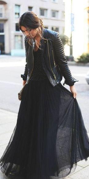 Tudo preto com jaqueta de couro