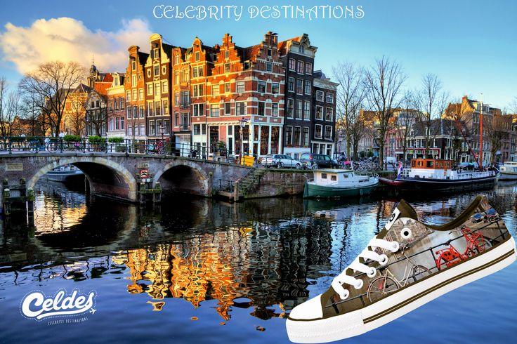 What about a ride 🚴 in Amsterdam?📍 Buy your Celdes shoes at: http://celdes.com/all/245-bikes-at-the-canal.html #exploreceldes #exploretheworld #amsterdam