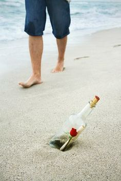 Going for a walk on the beach can be full of surprises! #Heiratsantrag #Überraschung