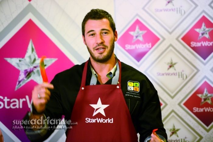 Sharone Hakman, from MasterChef US Season 1, was in town to promote the new MasterChef US Season 3 which premieres on Star World (Starhub Ch 501/555 HD) on 16 September 2012 at 8pm.