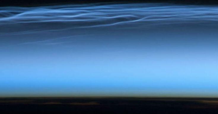 Extrañas nubes de color azul eléctrico aparecen sobre la Antártida antes de lo esperado